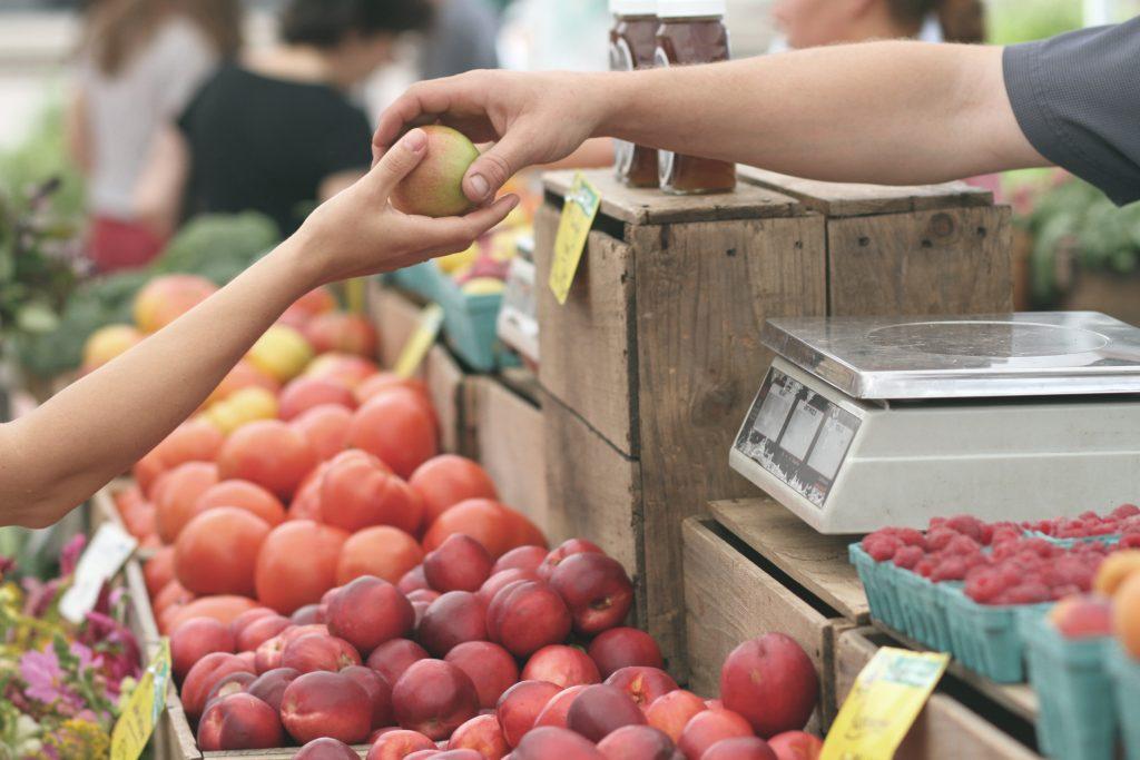"""""""Moins 10 % sur tous les fruits de votre magasin Leclerc jusqu'à ce soir !"""" : telle pourrait être une notification sur votre téléphone quand vous passez devant votre supermarché."""